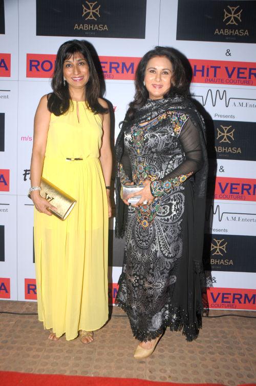 22. Poonam Dhillon with sister Rishma Pai DSC_0378