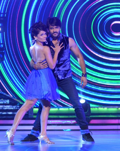 Contestant Ashish Sharma with his choreographer Shampa