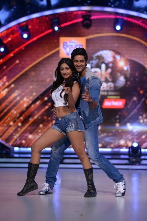 Contestant Purab Kohli with his choreographer Mohena