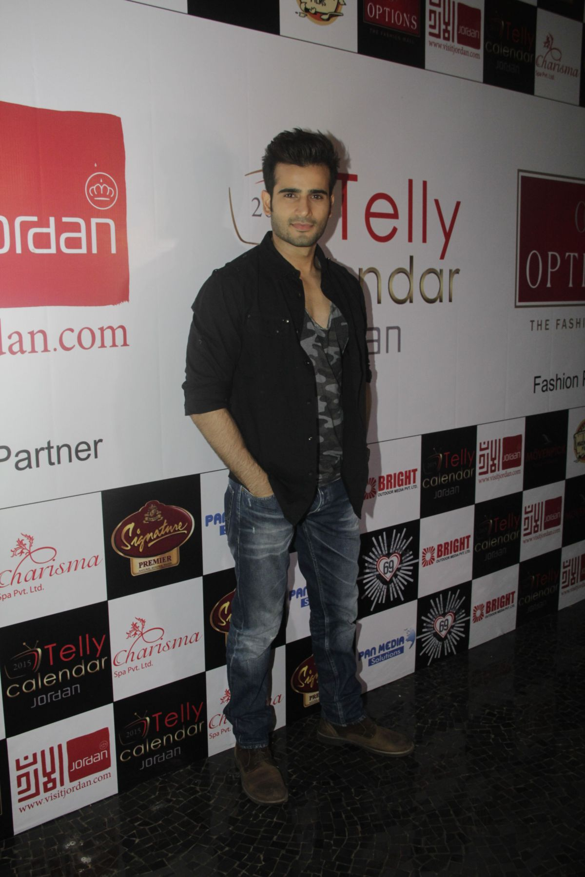 04Karan Tacker @Telly Calendar announcement party
