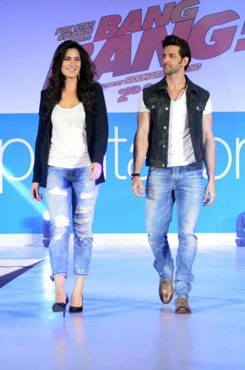 06-Hrithik Roshan & Katrina Kaif@launch of Bang Bang inspired Pantaloons Collection