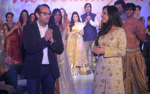 7. Amy Billimoria with Tushar Khanna (Director - The Club) DSC_2399