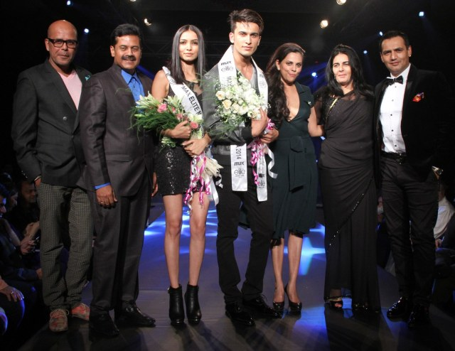 Winners with Judges - L to R- Narendra Kumar, Vasanth Kumar, Vijaya Sharma, Rinku Malik, Nupur Tron, Victoria Da Silva, Marc Robinson
