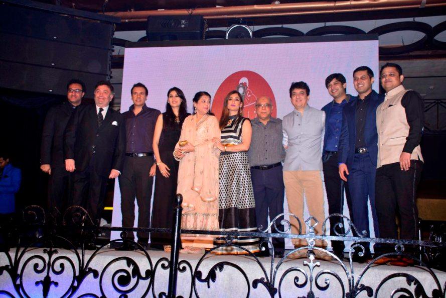 Nadiadwala family with Rishi Kapoor