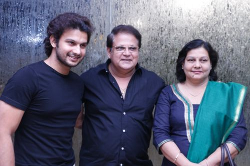 Adhinath Kothare with his father Mahesh Kothare and mother