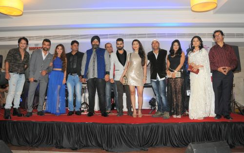 2. Ajaz Khan, Sara Khan, Sarvjit Singh,  (Presenter)  Sandeep Shukla, (Presenter) Pushpendra Singh (Director)  alongwith Cast and Crew of the film THE CINEMA HALL during Annpouncement DSC_8161
