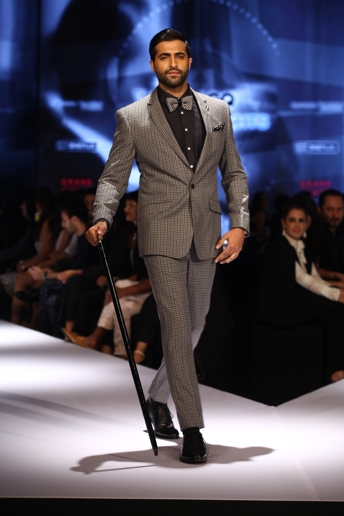 Akshay Oberoi in Van Heusen collection on Day 2 of Van Heusen + GQ Fashion Nights 2015_1