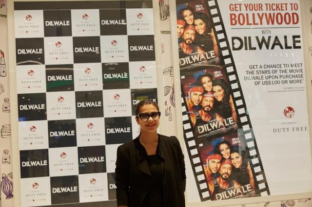 Dilwale Team at Mumbai Duty Free (1)