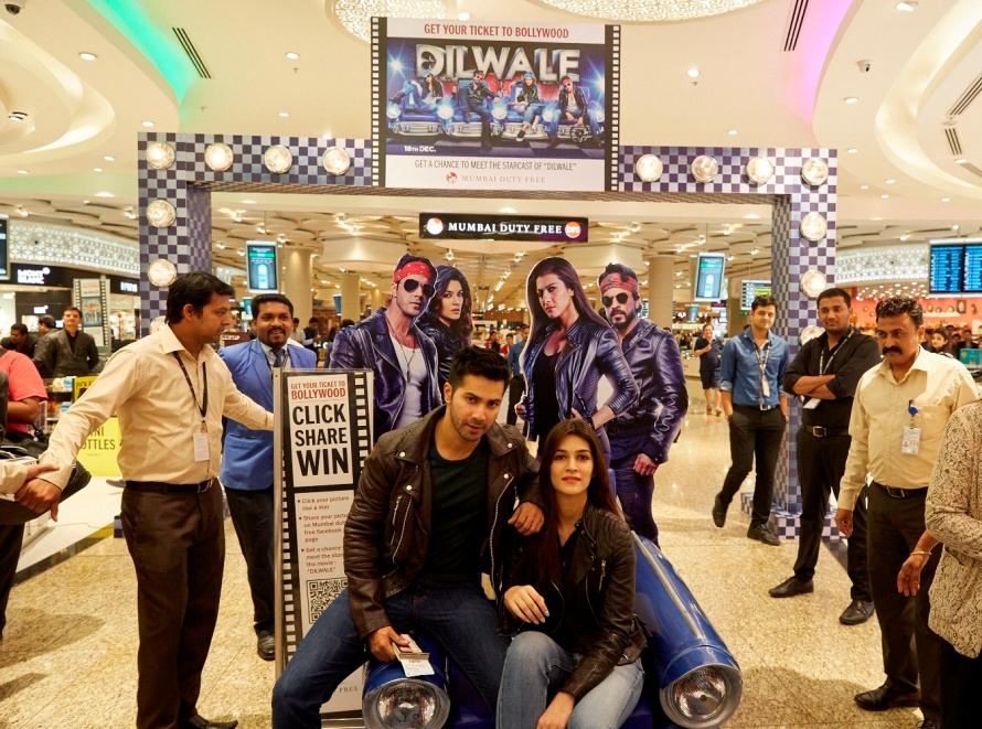 Dilwale Team at Mumbai Duty Free (3)