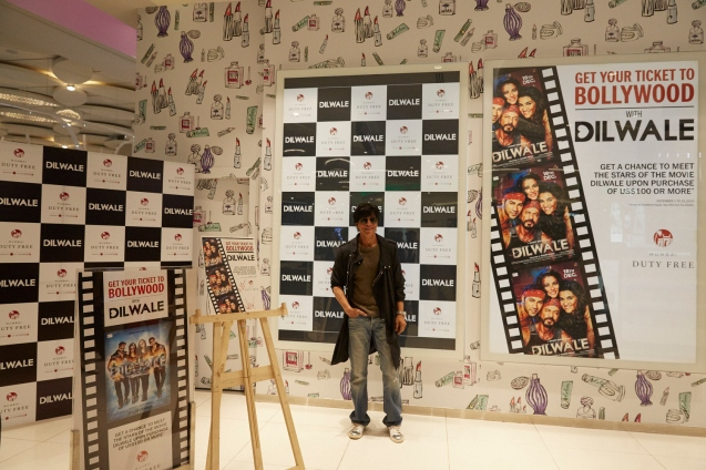 Dilwale Team at Mumbai Duty Free (5)