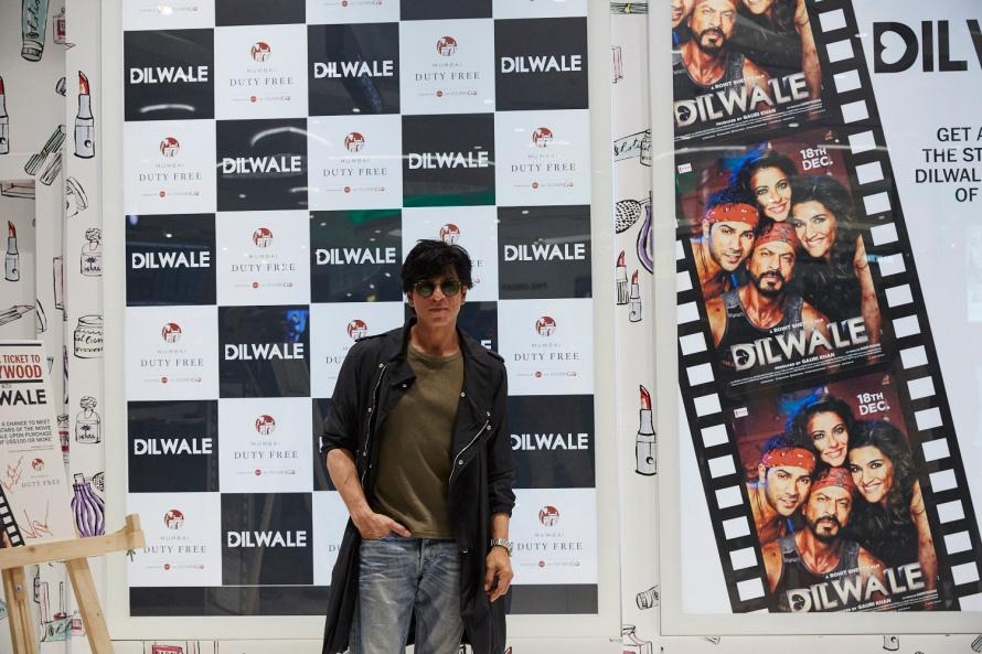 Dilwale Team at Mumbai Duty Free (T2)