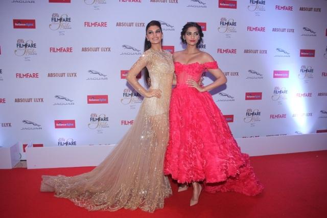 Jacqueline Fernandez & Sonam Kapoor