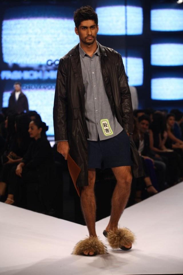 Model in Dhruv Kapoor on Day 02 at Van Heusen+GQ Fashion Nights (13)