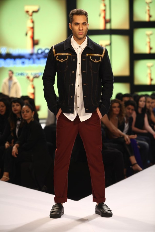 Model in Dhruv Kapoor on Day 02 at Van Heusen+GQ Fashion Nights (15)