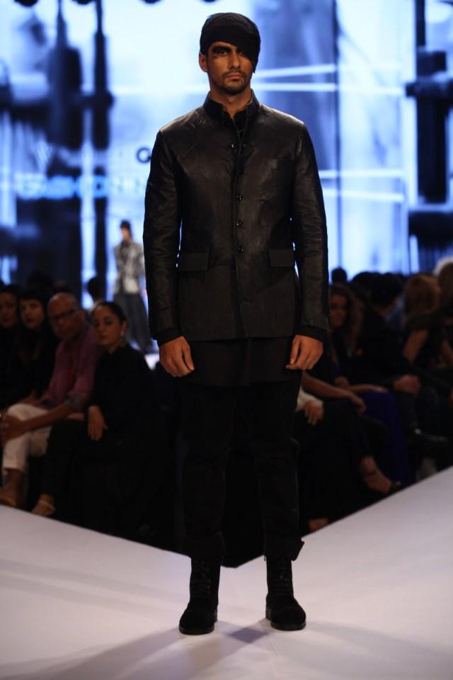 Model in Rajesh Pratap Singh on Day 2 of Van Heusen GQ Fashion Nights 2015_1 - Copy