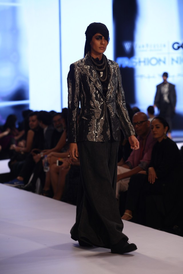 Model in Rajesh Pratap Singh on Day 2 of Van Heusen GQ Fashion Nights 2015_2 - Copy