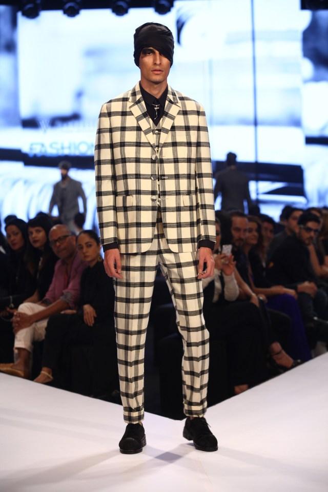 Model in Rajesh Pratap Singh on Day 2 of Van Heusen GQ Fashion Nights 2015_4 - Copy