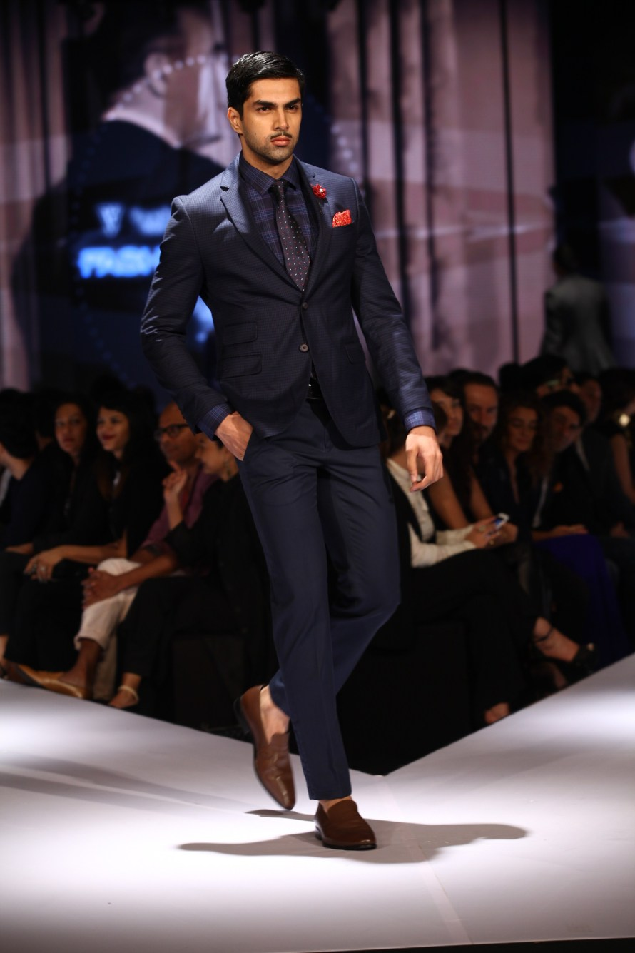 Model in Van Heusen collection on Day 2 of Van Heusen + GQ Fashion Nights 2015_5