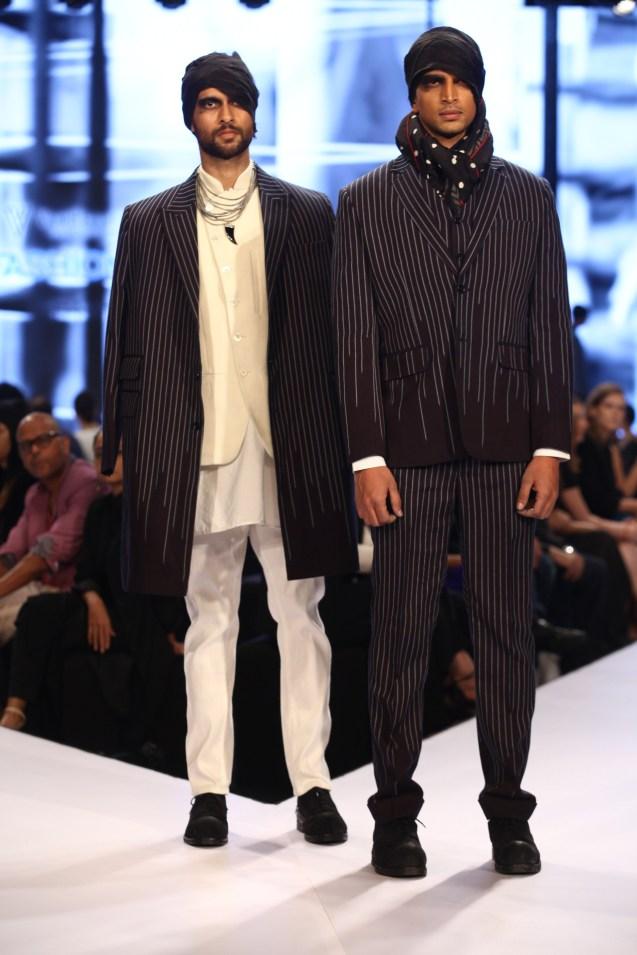 Models in Rajesh Pratap Singh on Day 2 of Van Heusen GQ Fashion Nights 2015_5 - Copy