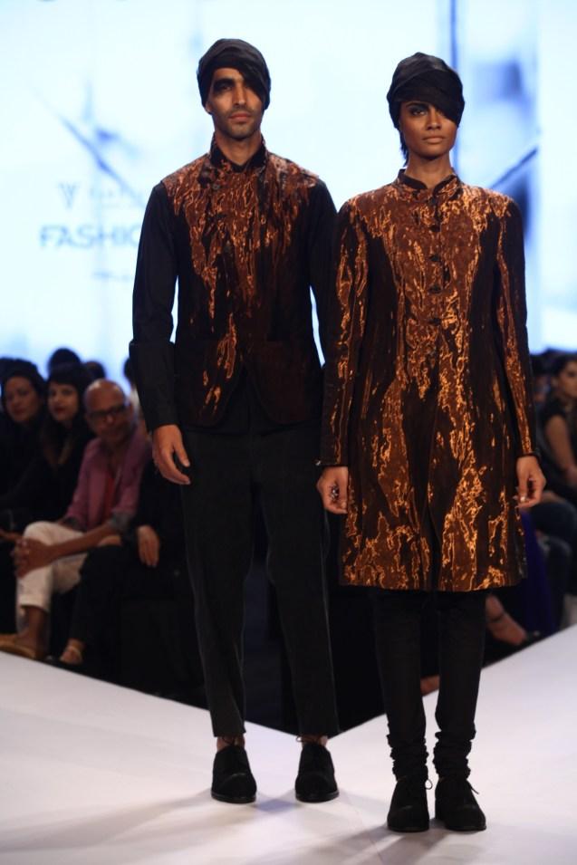 Models in Rajesh Pratap Singh on Day 2 of Van Heusen GQ Fashion Nights 2015_6