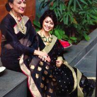 Tanishaa Mukerji rings in Mother Tanuja's 75th birthday