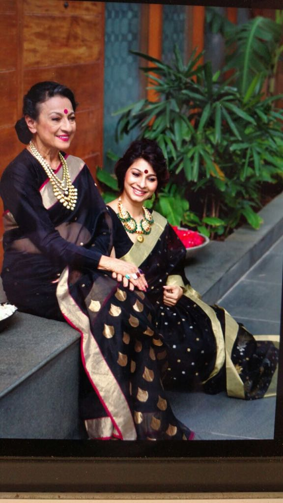 Tanishaa Mukerji and Tanuja from their past photo-shoot.jpg